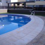 Borde-de-piscina-crema-4-150x150 Baldosa de piscina continuación de 50x100 crema granallado