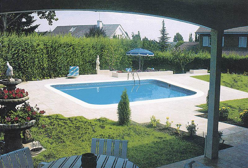 Duchas para piscina top duchas modernas blancas piscina for Plato ducha piscina