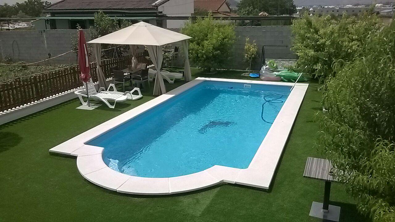 Tipos de bordes de piscina todo para reformas for Tipo de piscinas